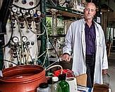 Foto Mark van Loosdrecht. Uit: interview in Quest 'Hoe benut je micro-organismen optimaal? Bacterie doet het vuile werk'