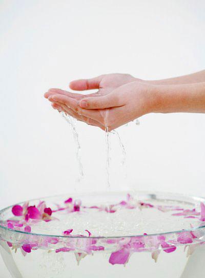 Mẹo làm mềm da tay bị chai tay hiệu quả ngay tại nhà