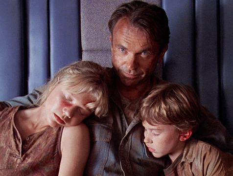Lex Murphy (Ariana Richards), Alan Grant (Sam Neill) y Tim Murphy (Joseph Mazzello) en Jurassic Park - Cine de Escritor