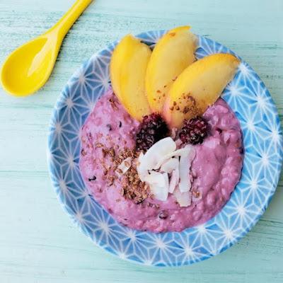 colazione sana ed equilibrata: overnight oatmeal, zuppa fredda di avena