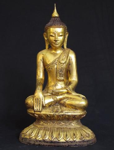 the buddhist art difference between shakyamuni buddha