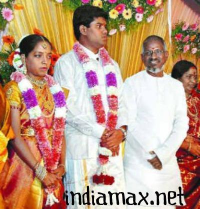 Ilayaraja Wife Death Photos,Jeeva Family Pics,Daughter,Son ... Karthik Raja Family Photos