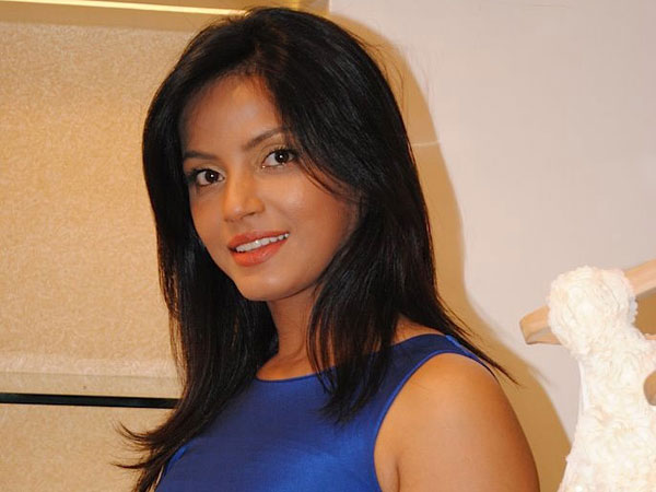 neetu chandra in blue skirt