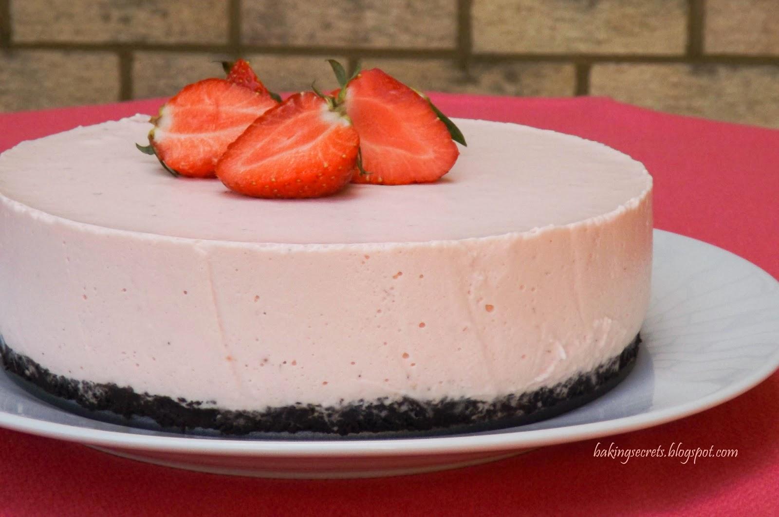 Baking Secrets: Strawberry Yogurt Mousse Cake / Jogurtinis braškių ...