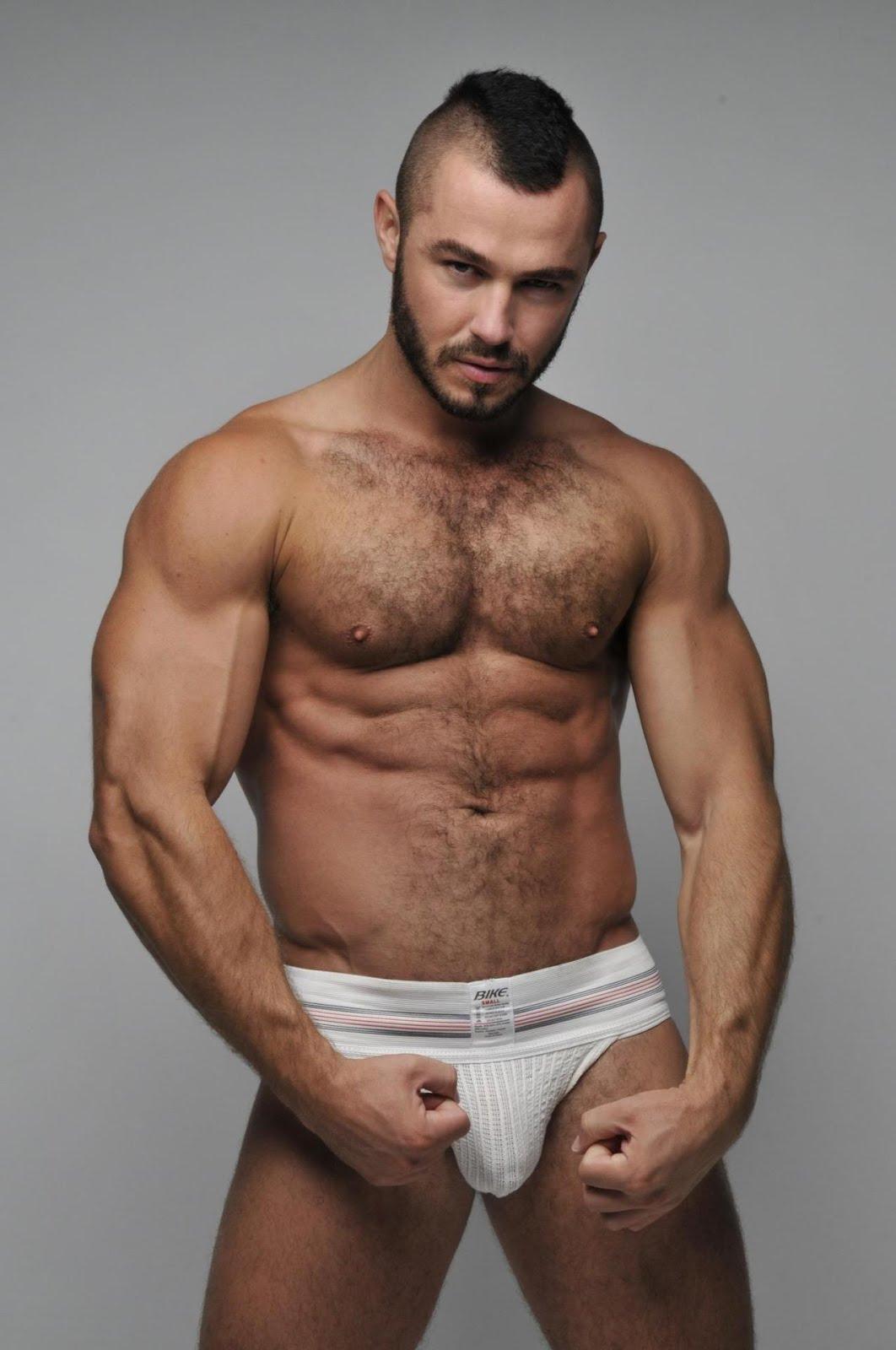 machos pelados gostosos tesudos moicano de cueca tesudo
