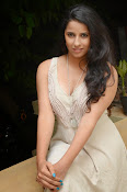 Sravya reddy hot photos-thumbnail-4