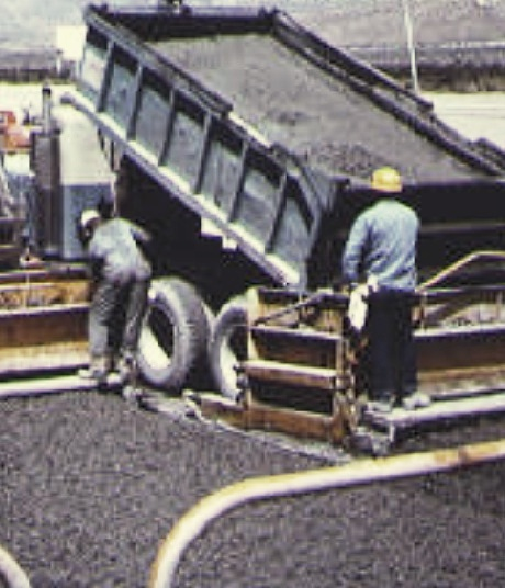 Non-agitating hauler for transporting central mixed concrete