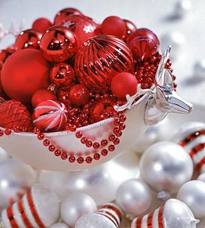 red Christmas centerpieces