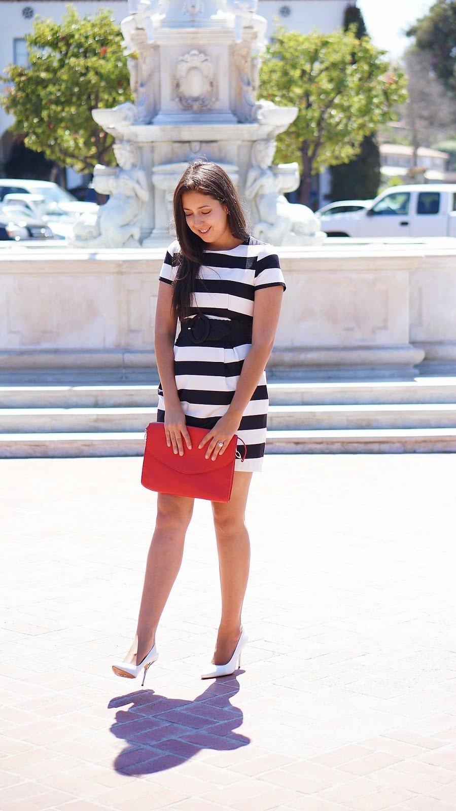 Khloe Kardashian's Look for Less, Khloe Kardashian's Striped Two Piece Outfit, H&M Striped Dress, White Pumps, Fashion Blogger, Celebrity Look For Less