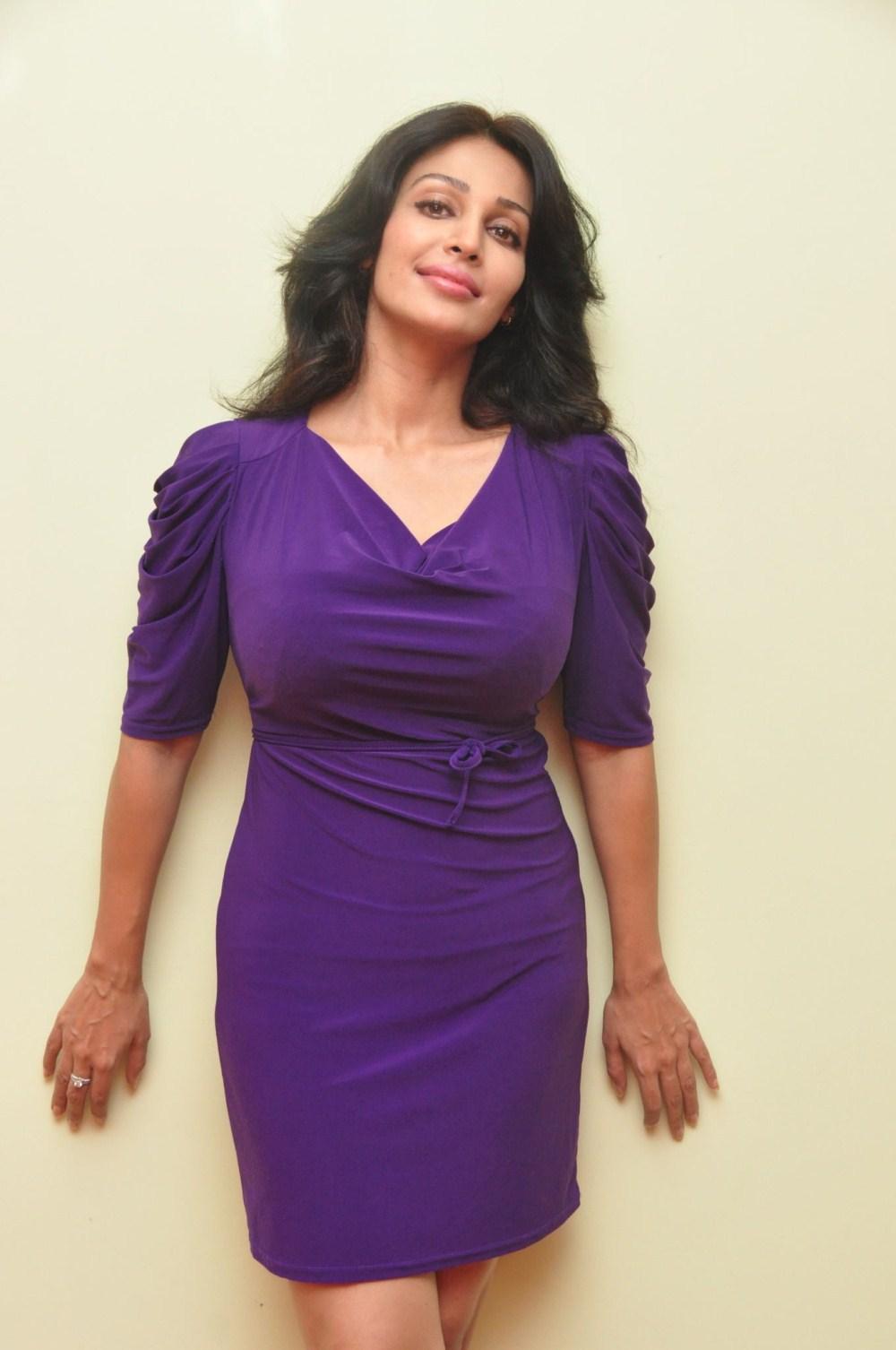 Asha Saini | Asha Saini Photo Gallery, Videos, Fanclub