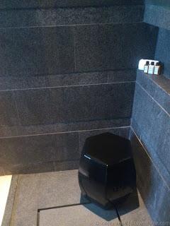 Capella Singapore Premier Garden Room View Bathroom