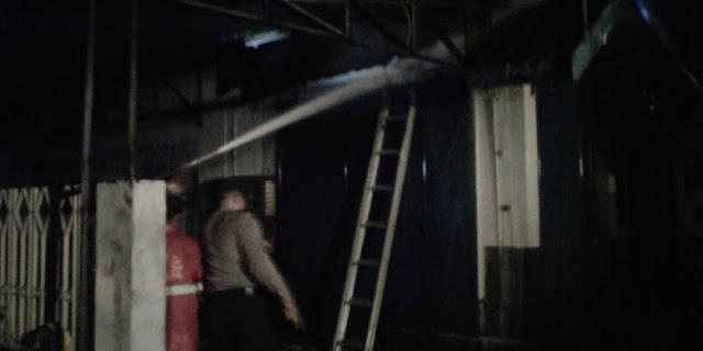 Toko Oli di Magelang Terbakar