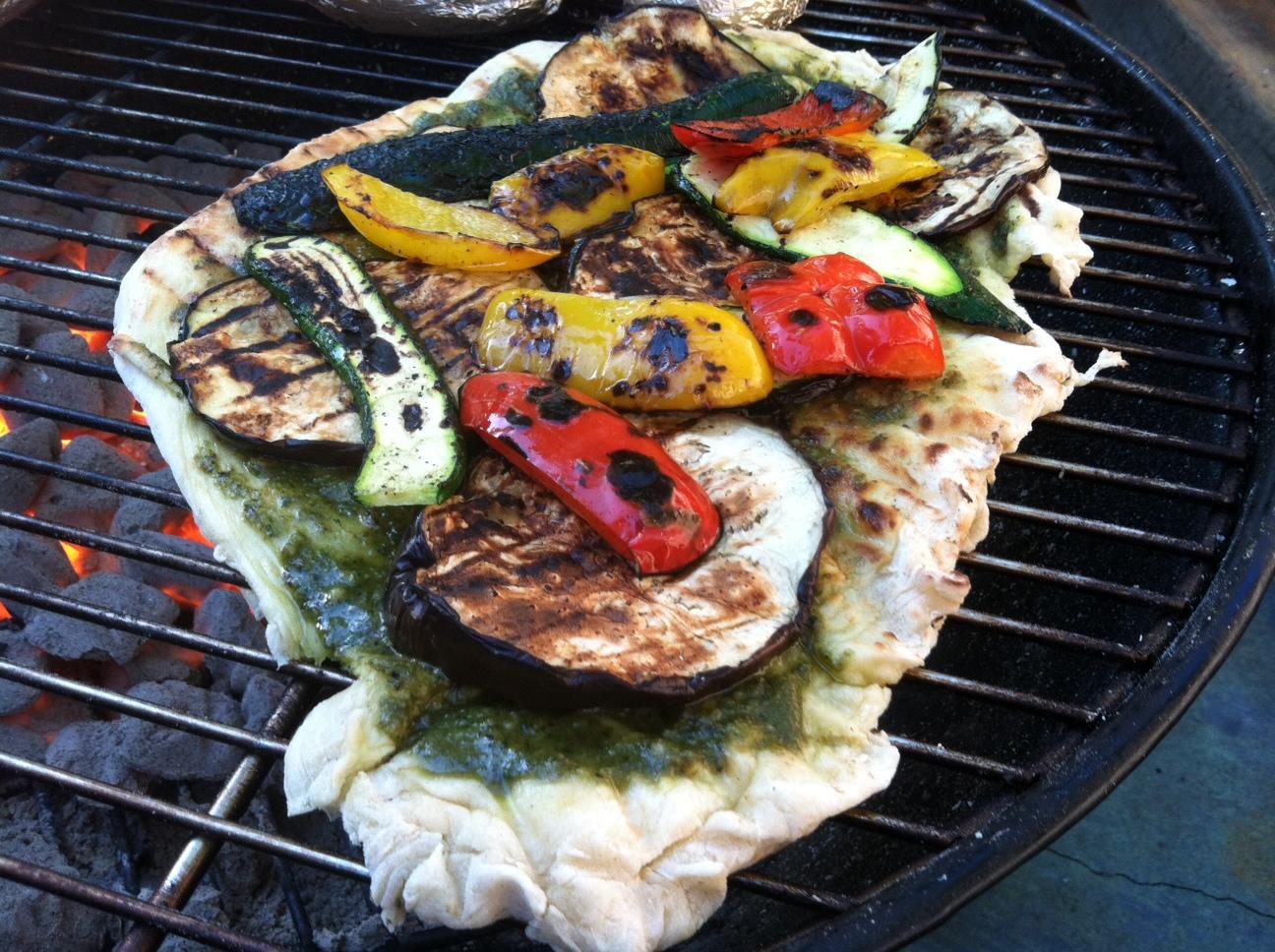 Vegan Beezie: Grilled Vegan Pizza