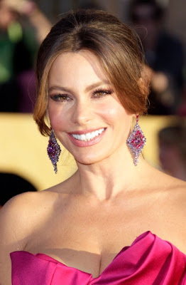 Get Sophia Vergara's beauty look from 2012 SAG Awards