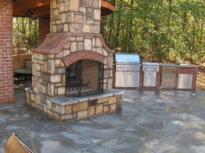 outdoor-fireplace-design-backyard