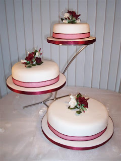 3 Tier Wedding Cake stands Ideas