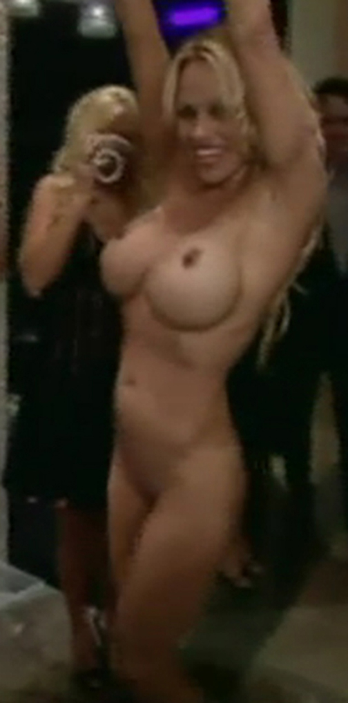 Pamella anderson boobs topic