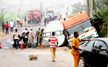 Petrol Tanker Laden With 33,000Litres Crashes In Lagos, Killing About 15people