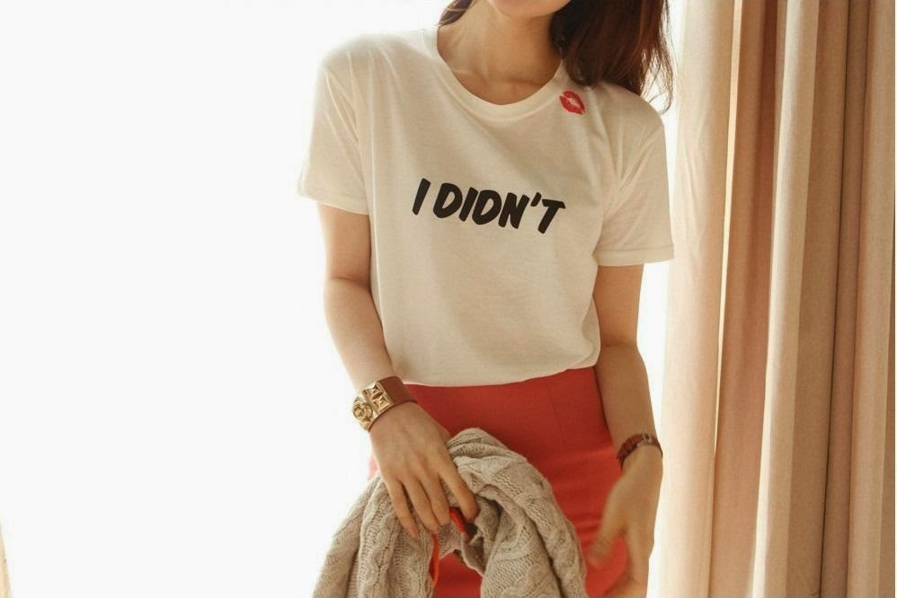http://www.koees.com/koees-186-partysu-print-lips-small-window-fashion-letter-short-sleeve-T-shirt.html