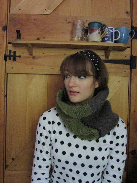 Hand-knitted, color blocked wool cowl. Talking about knitting and the importance of having stress free, no-agenda hobbies on Young Yankee Lady.