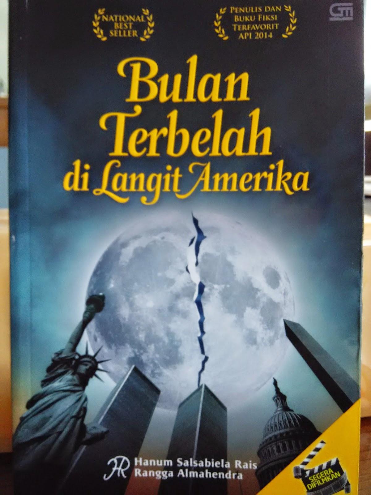 Resensi Buku Bulan Terbelah di Langit Amerika