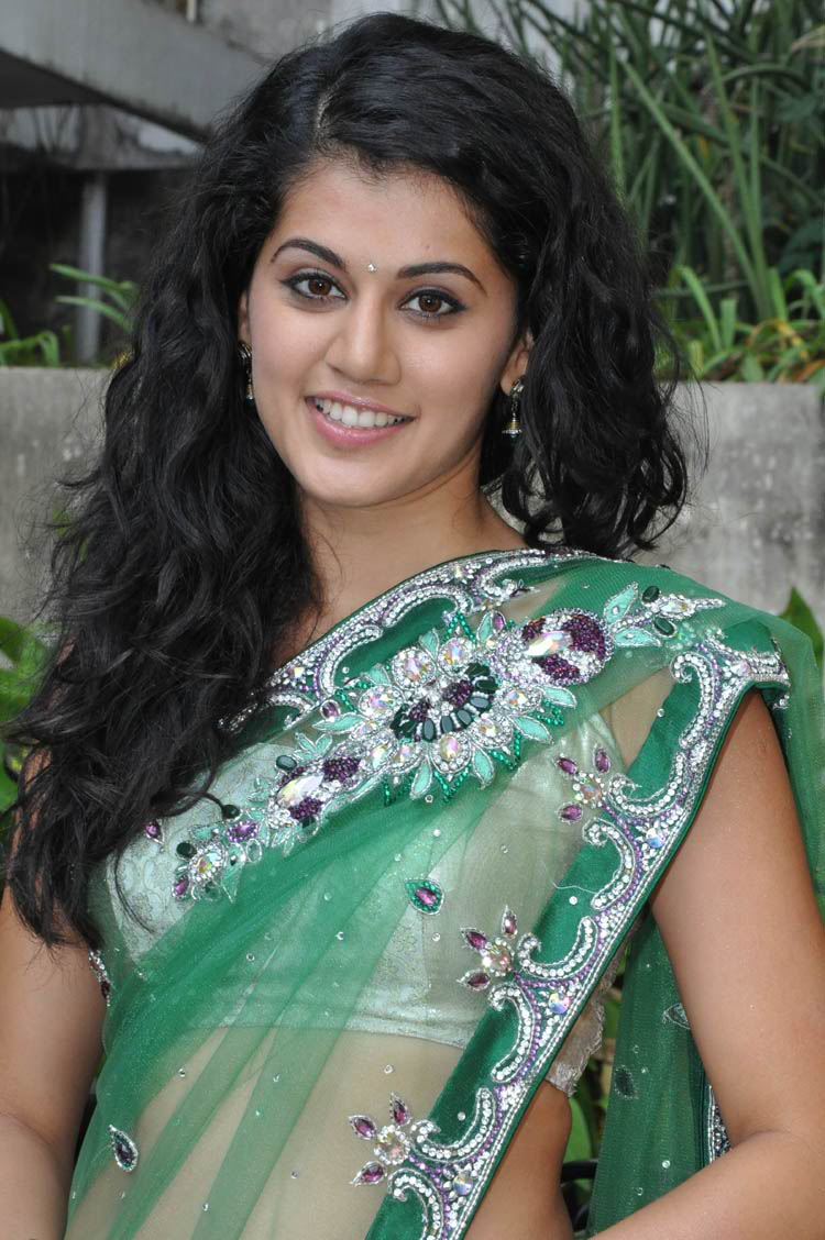 ... (newspriority.blogspot.in): Hot Tapsi in saree at Shadow film Shoot
