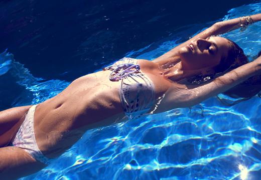 Фото моделей в бассейне фото 578-470
