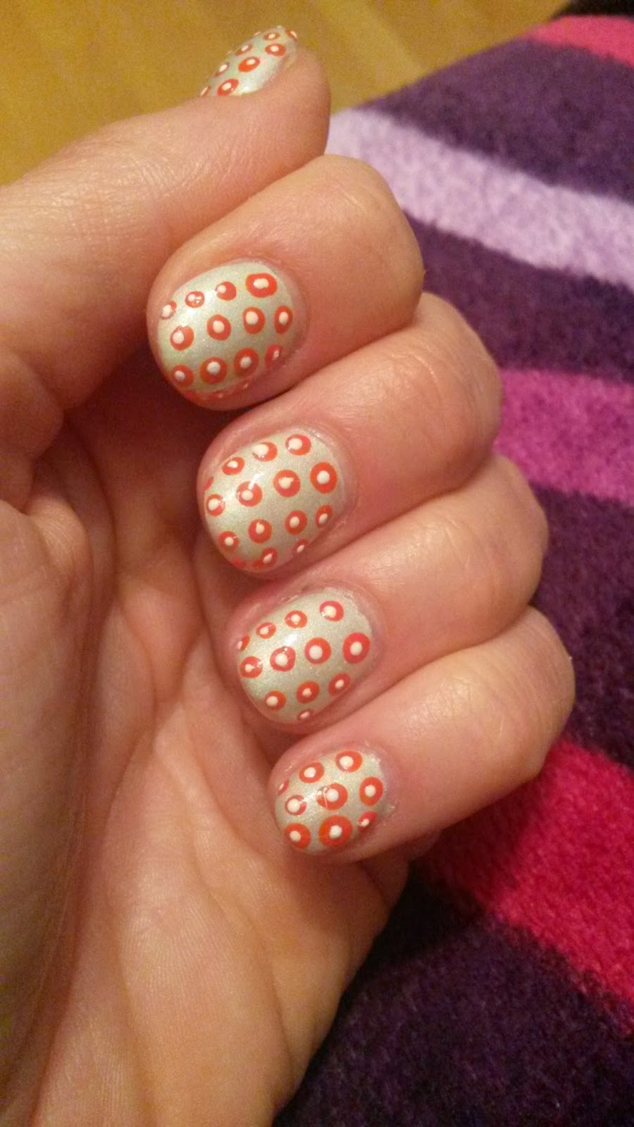 My world is pink: Nail Art: Mach mal einen Punkt!