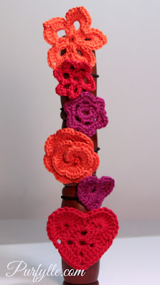 Find the patterns for these motifs on my Pinterest board - Crochet Hair Ties