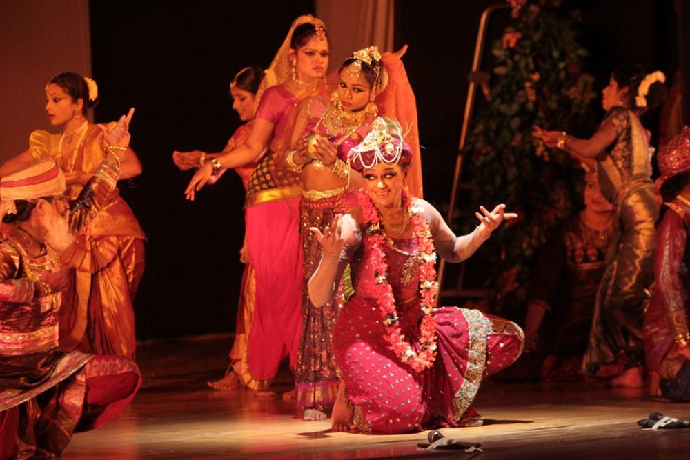 wwwstarsofmovieblogspotin shobhanas krishna dance drama
