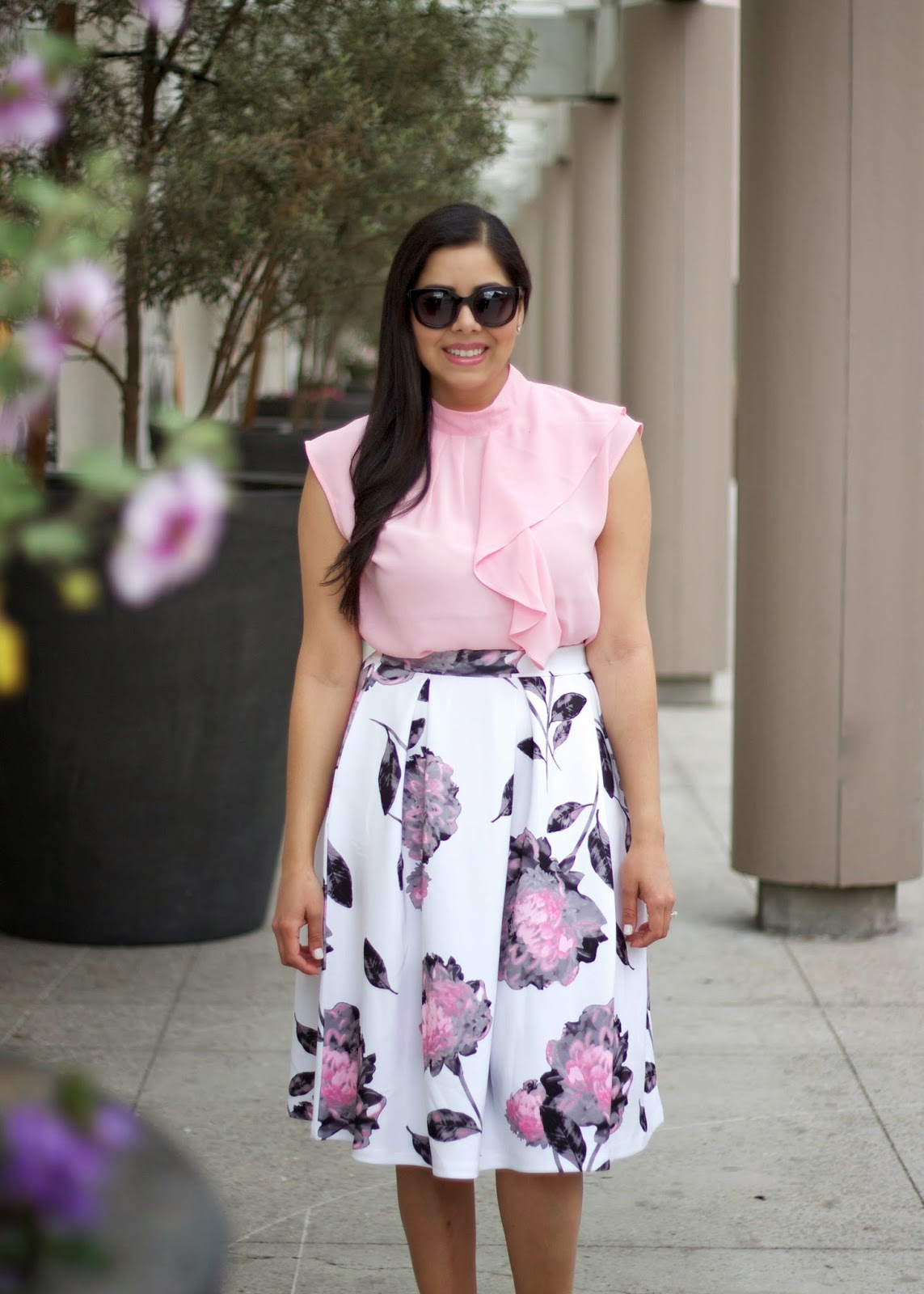 pretty in pink, pink outfit with midi skirt, the perfect floral midi skirt, ny & co midi skirt, how to wear a midi skirt