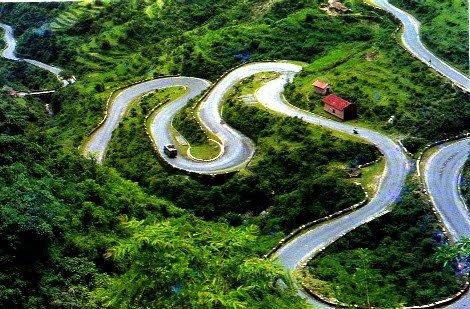 Roadways on Queen of Hills..
