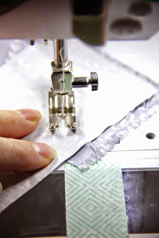 how to make fabric bias 1 4 strips