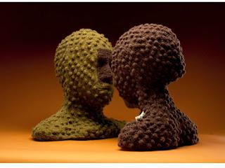 Representan esculturas la relación entre humanos y el reino animal en el Museo Universitario del Chopo