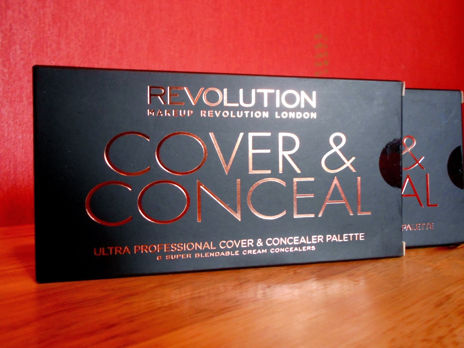 Makeup Revolution Cover & Conceal Palette