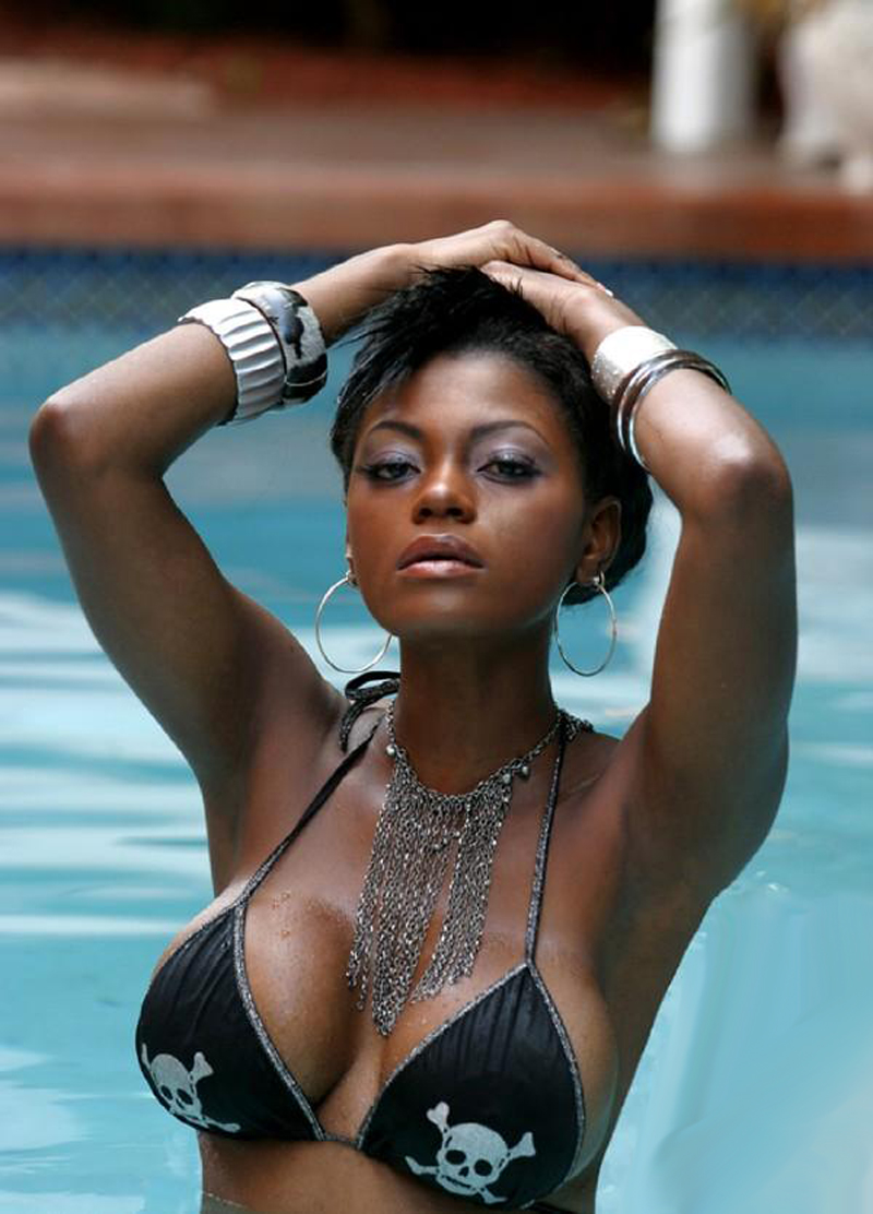 Hot black girl models in bikini