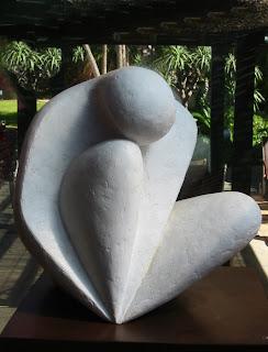 Statue style contemporain femme nue assise
