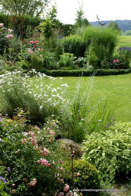 Ein schweizer garten sommerliches for Gartengestaltung thuja