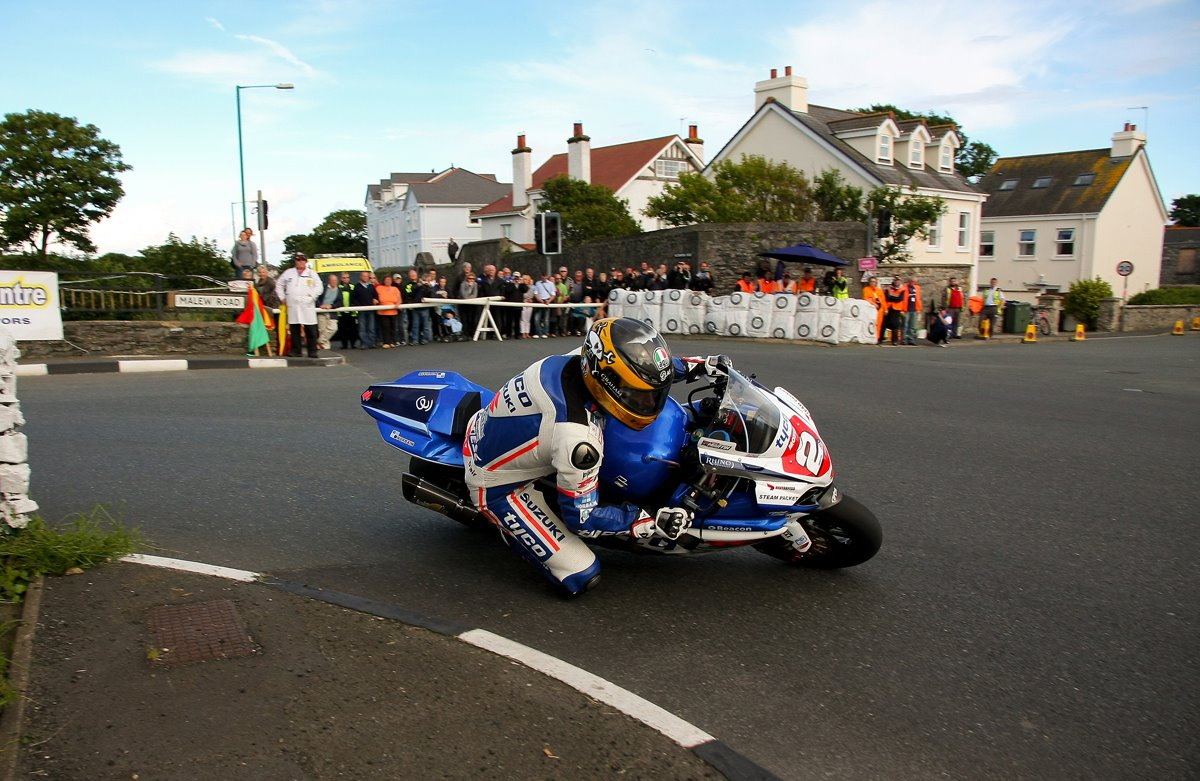 Road Races & TT - Page 37 471289_10150963133534023_2035664063_o