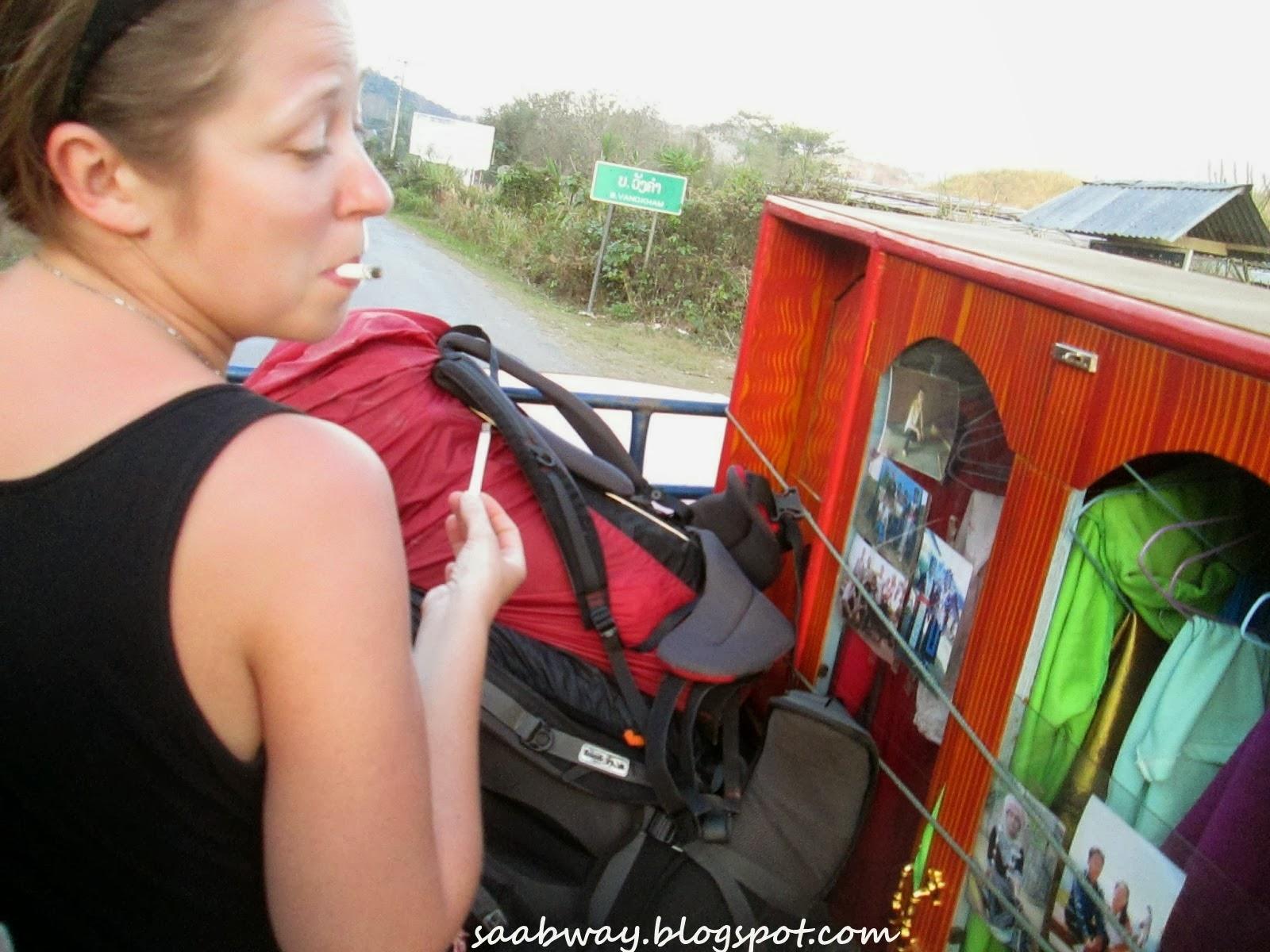 Autostopem przez Laos