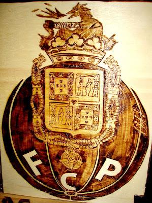 F.C. Porto em pirogravura