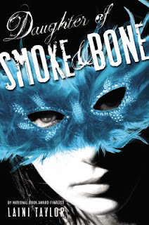 Daugher of Smoke and Bone Laini Taylor summary review