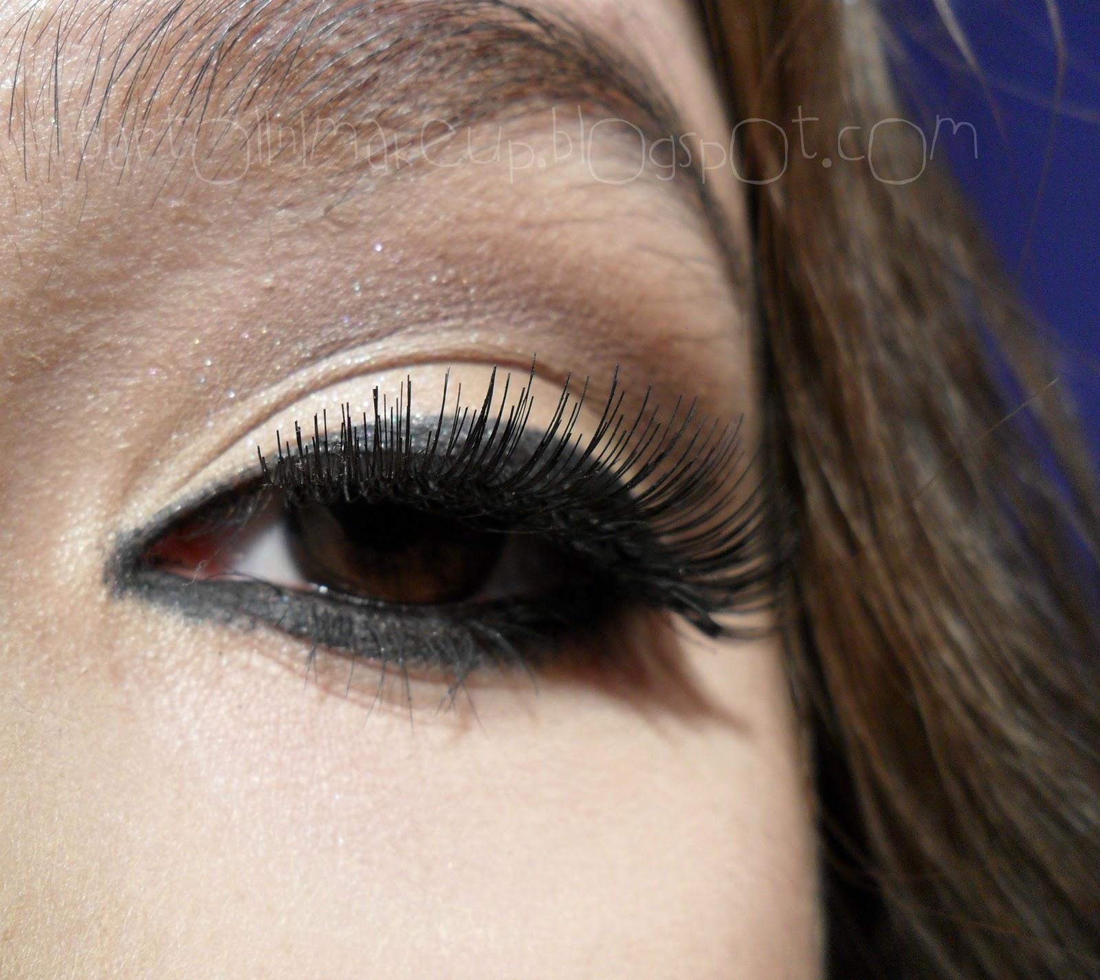http://4.bp.blogspot.com/-sGP8hdFc5ZE/TyinJKlogsI/AAAAAAAABGA/Ym1MblGnyNk/s1600/kim+kardashian+look+0599.jpg