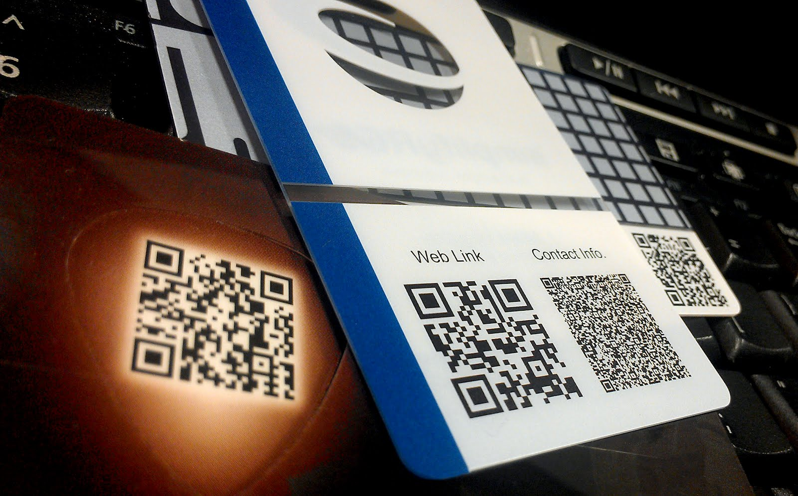 Plastic business card design tips creative tip 3 add a qr code to creative tip 3 add a qr code to your business card colourmoves