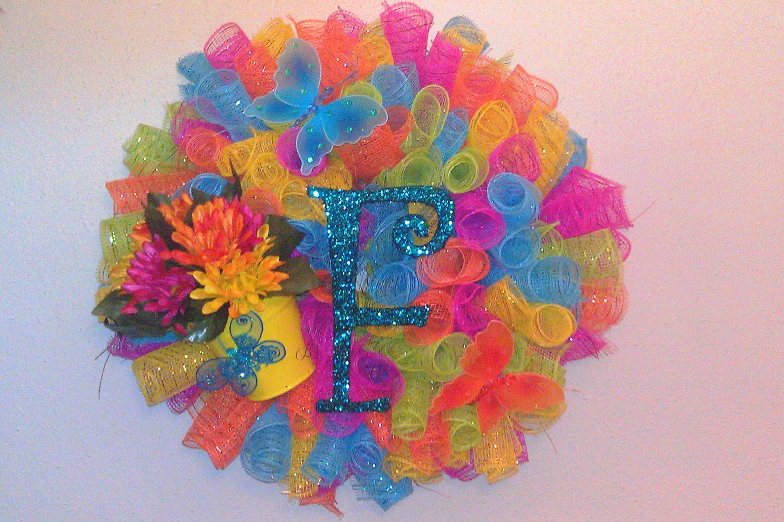 New orleans crafts by design springsummer wreaths multicolored spiral deco mesh butterfly and flower wreath baditri Images