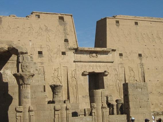 Temple-of-Horus-at-Edfu-Nile-Cruise-Egypt-2008-Sealiberty-Cruising