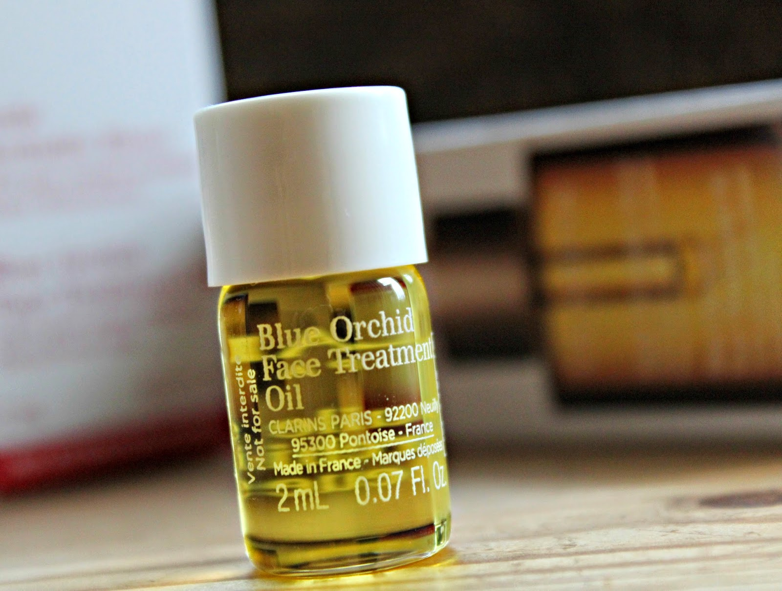 A picture of the Clarins Blue Orchid Face Treatment Oil