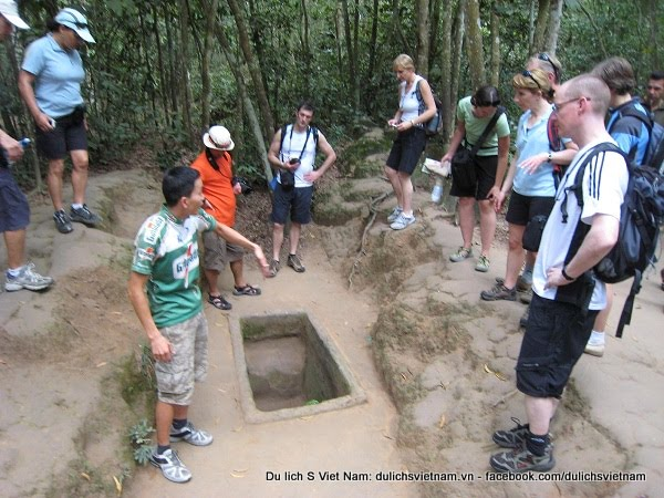 Most famous tunnels in Vietnam Historical sites: Cu Chi and Vinh Moc tunnels