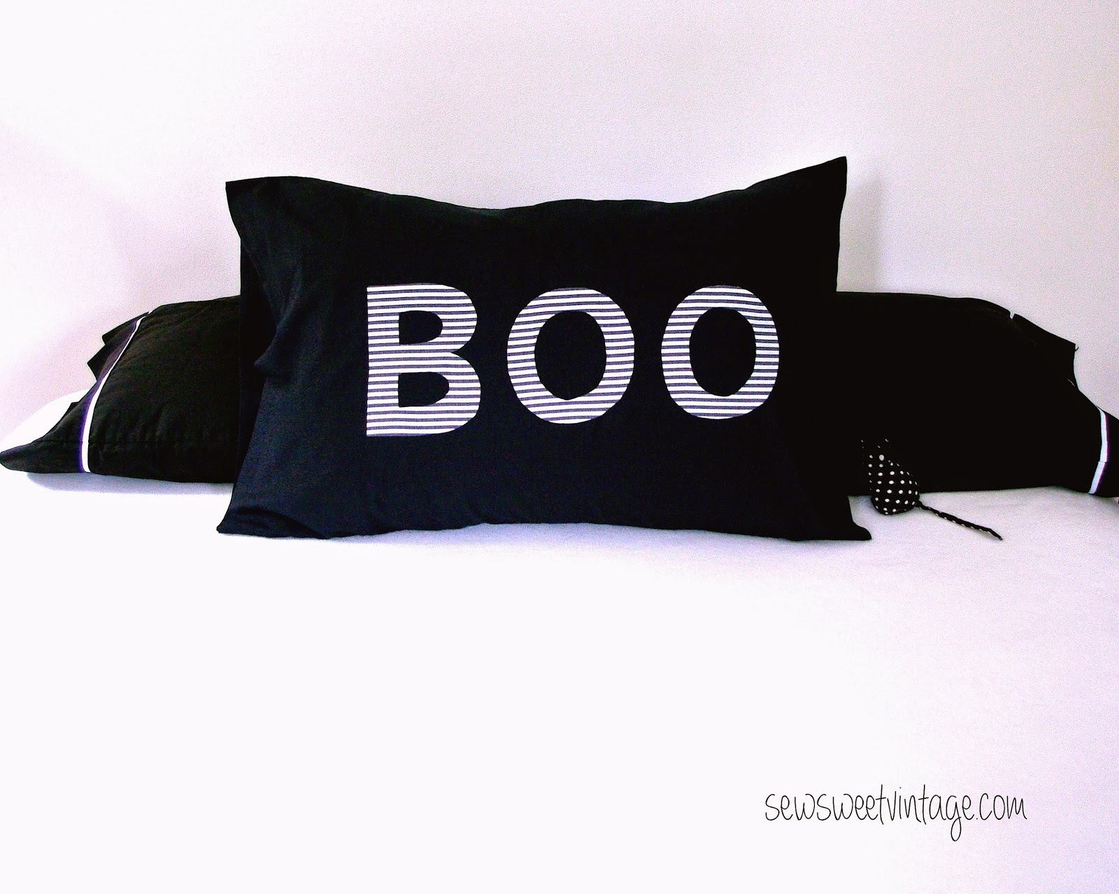 how to make a Halloween Boo pillowcase or pillow