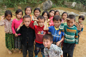 H'mong children in Simacai
